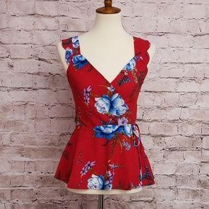 🏖☀️😎Monteau Red Floral Wrap Top😎☀️🏖